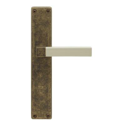 40030110-juego-de-manivelas-con-placa-cuadrada-en-champan---anticato